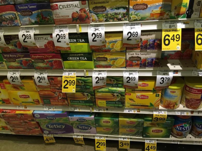 アメリカのスーパーマーケット・Vonsのお茶売り場(拡大)