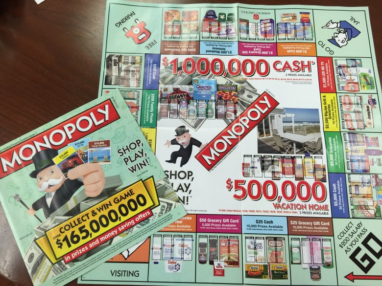 専用のMONOPOLLYデッキ、紙は厚くないですが本当にMONOPOLLYを遊んでいるみたいな、楽しくなってくるデザインですね。$1,000,000のキャッシュと$500,000のVacation Home(別荘というところでしょうか。)が目玉の景品のようです。