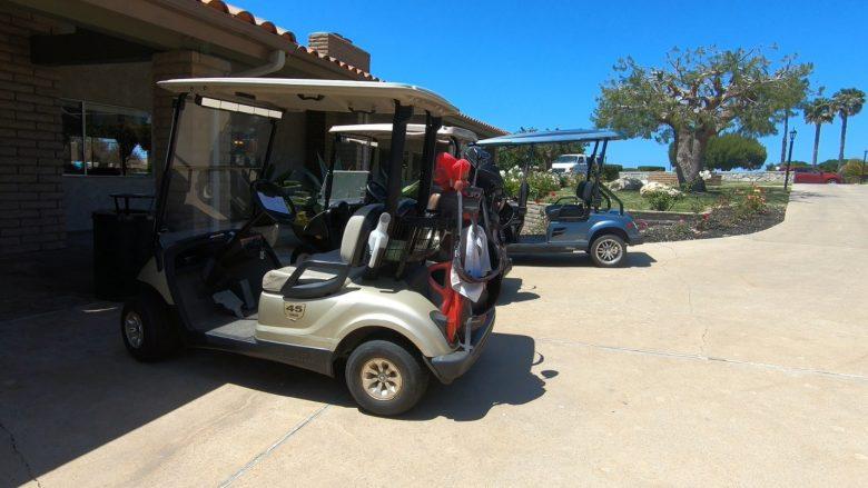 コミュニティ内移動用のゴルフカート